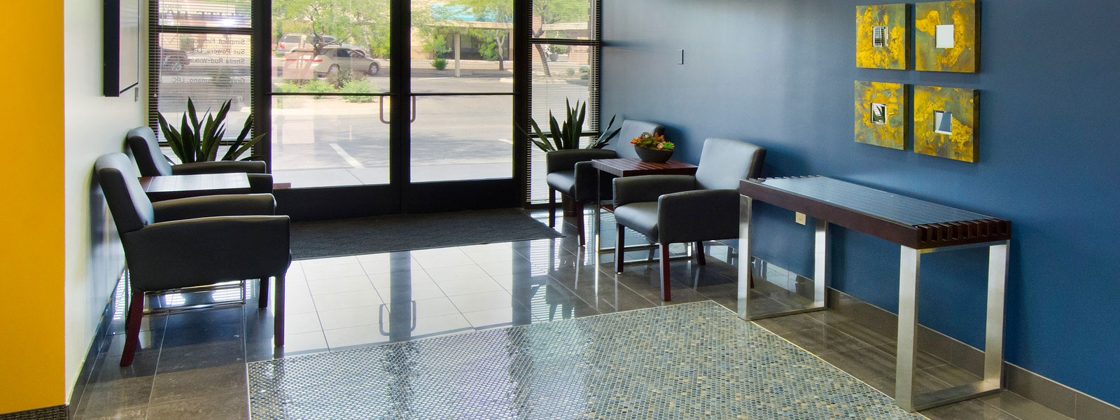 Scottsdale-Executive-Office-Suites-Bright-Entryway